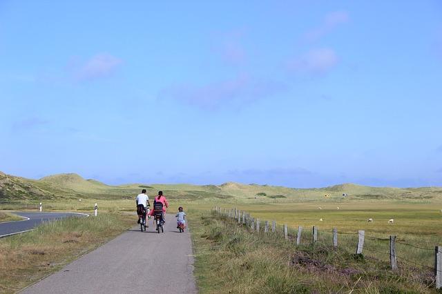 Comment partir à la découverte de la région Bretonne en famille à vélo?